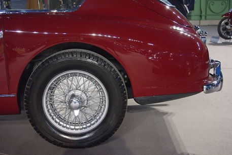185 VR 16 PIRELLI CINTURATO ™ CA67 on an Aston Martin DB2-4